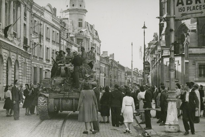 libération d'Amiens prise le 31 août 1944, rue de la République