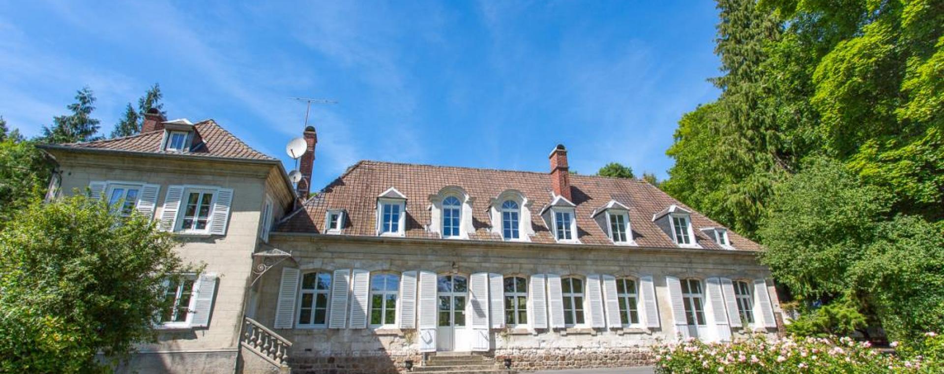 Chateau de Naours