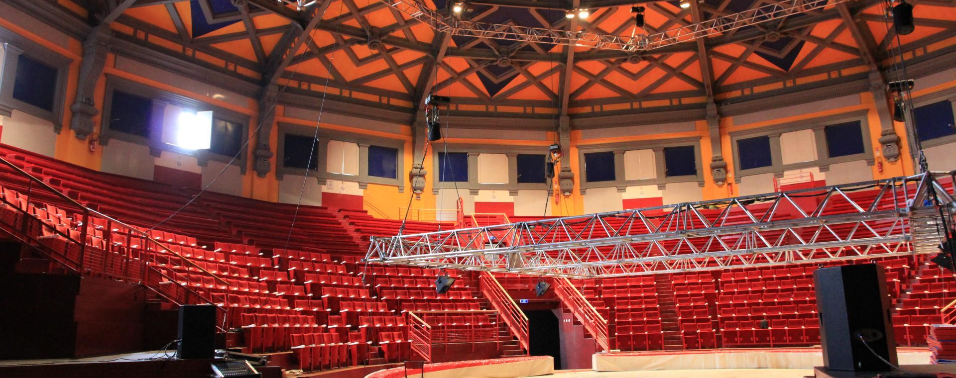 Cirque Jules Verne
