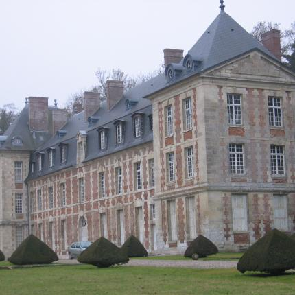 Photo de la façade du Château de Wailly
